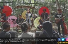 Menikmati Matahari Pagi di Pasar Karetan Bersama Ucie Sucita - JPNN.com