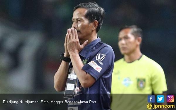 Djanur Ungkap Hal Paling Bikin Merinding saat Latih Persebaya - JPNN.com