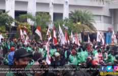 Polisi Tahan Sejumlah Demonstran di Depan Markas Gojek - JPNN.com