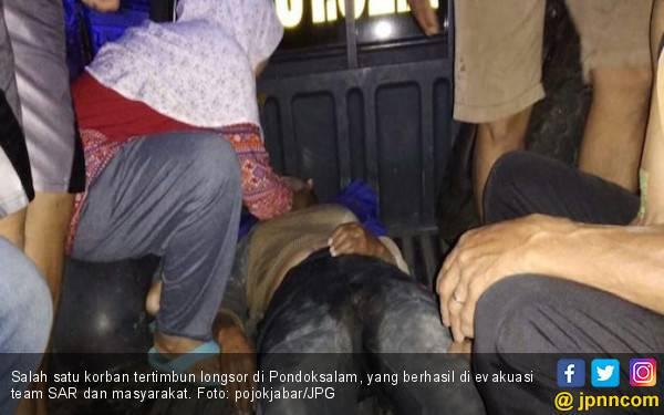 3 Rumah Diterjang Longsor di Purwakarta, 2 Tewas, 2 Hilang - JPNN.com