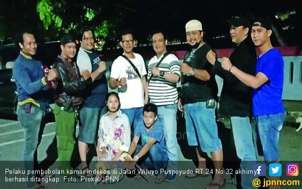Pria 20 Tahun Masuk Kamar Mella Lewat Plafon - JPNN.com