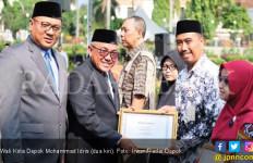 Guru Honorer di Depok Dapat Gaji ke-13 - JPNN.com