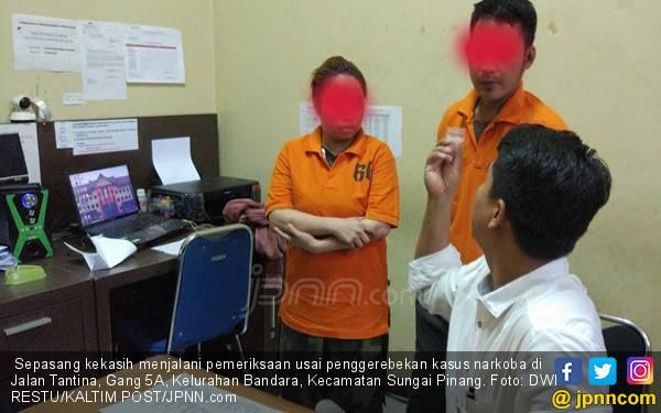 Tubuh Fera Masih Dililit Handuk, Langsung Kaget - JPNN.com