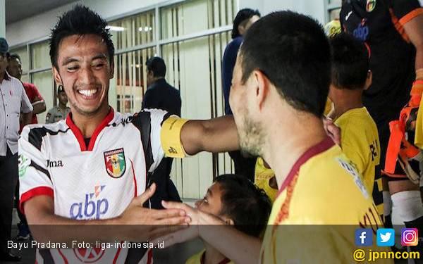 Absen Lawan Persija, Bayu Pradana Tetap Ikut Dampingi Tim - JPNN.com