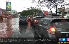 4 Cara Menerobos Banjir Agar Mobil Tidak Water Hammer - JPNN.com