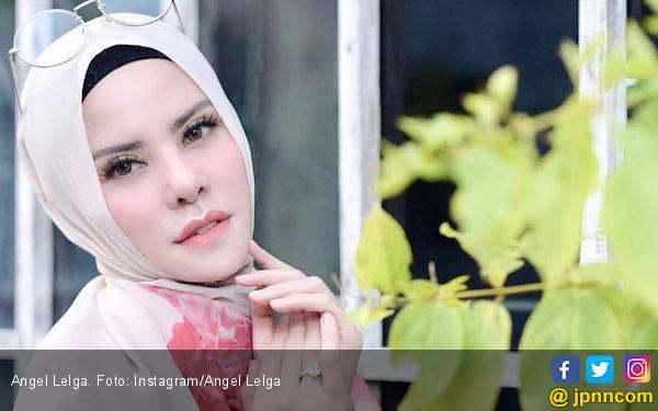 Respons Angel Lelga Soal Pertunangan Vicky Prasetyo - JPNN.com