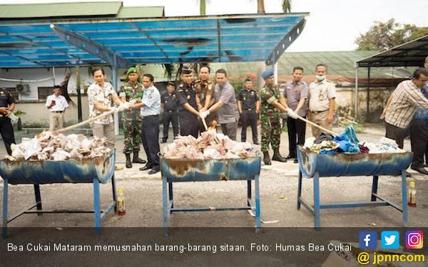Bea Cukai Mataram Musnahkan Ribuan Barang Hasil Sitaan - JPNN.com