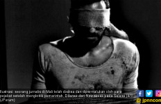 Kritik Pemerintah, Jurnalis Dipaksa Minum Cairan Najis - JPNN.com