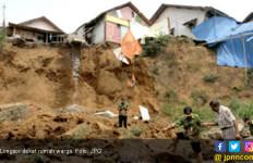 Longsor Siding, Tiga Orang Meninggal - JPNN.com