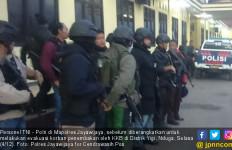 Buka Jendela, Serda Handoko Kena Tembakan KKB Papua - JPNN.com