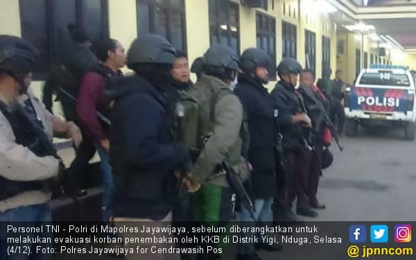 Tiba di Nduga, Tim TNI dan Polri Langsung Ditembaki - JPNN.com