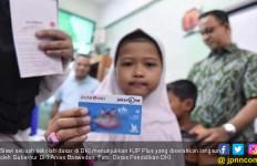 Ratusan Wali Murid Gadaikan KJP, Ini Ancaman dari Anak Buah Anies Baswedan - JPNN.com