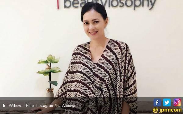 Ira Wibowo Masih Dukung Mantan Suami - JPNN.com