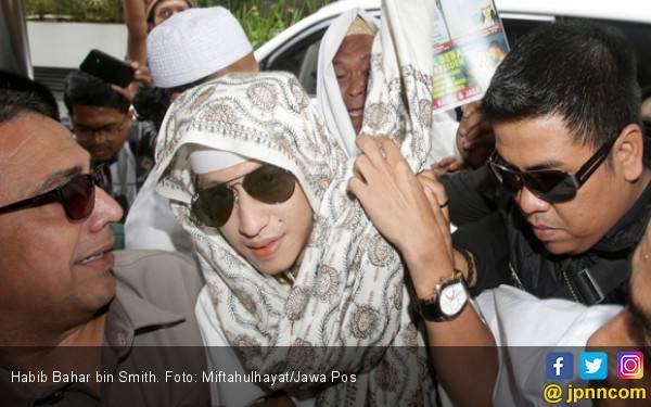 Habib Bahar jadi Tersangka, tapi Tak Ditahan, Boleh Pulang - JPNN.com