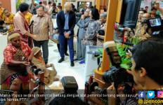 Freeport Bantu Para Mama Papua Memintal Benang Noken - JPNN.com