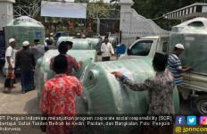 Penguin Bagikan 2 Ribu Tangki di Kediri, Pacitan & Bangkalan - JPNN.com
