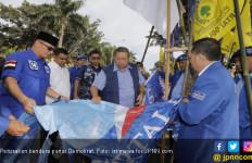 Pelaku Perusakan Bendera Demokrat Dibayar Rp 150 Ribu - JPNN.com
