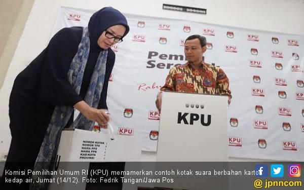 KPU Bantah Gunakan Kardus, tapi Pakai Karton, Ini lo Bedanya - JPNN.com