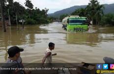 Sungai Souraya Meluap, Ratusan Rumah Terendam Banjir - JPNN.com