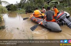 Sungai Meluap, Ribuan Rumah di Labuhanbatu Terendam Banjir - JPNN.com