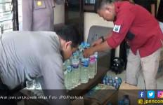 Polisi Sita Arak untuk Pesta Tahun Baru - JPNN.com