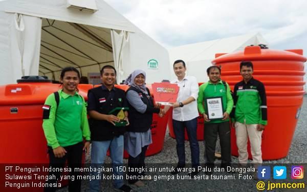 Penguin Indonesia Bagikan 150 Tangki di Palu dan Donggala - JPNN.com
