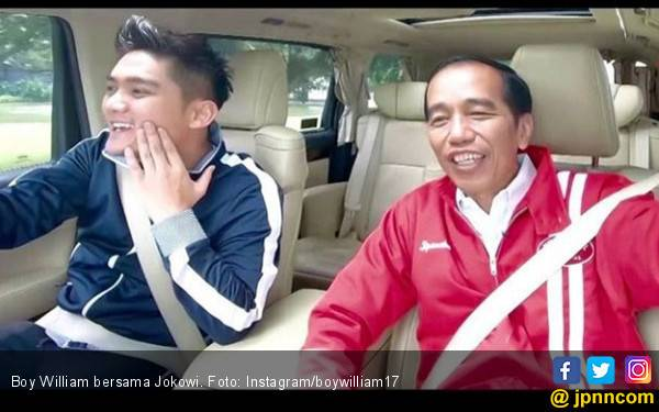 Apa Obrolan Boy William Saat Ngevlog Bareng Jokowi di Mobil - JPNN.com