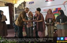 Hari Ibu, 10 Wanita Tangguh Raih Penghargaan Bergengsi - JPNN.com
