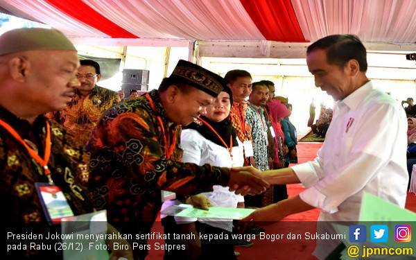 Jokowi Bagikan 4.000 Sertifikat di Bogor dan Sukabumi - JPNN.com