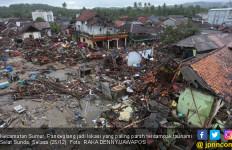 Satu Keluarga Dihajar Tsunami saat Mancing di Tengah Laut - JPNN.com