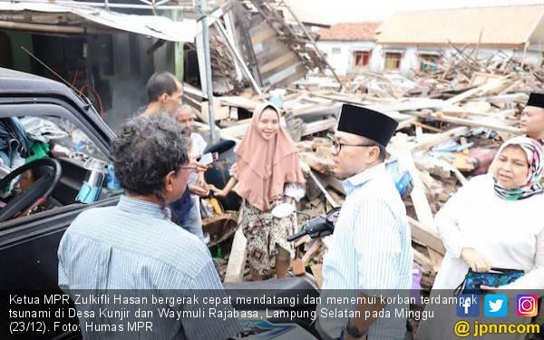Ketua MPR Temui Warga Terdampak Tsunami di Lampung Selatan - JPNN.com