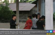 Astaga, Remaja Putra dan Putri Pesta Terlarang di Taman - JPNN.com