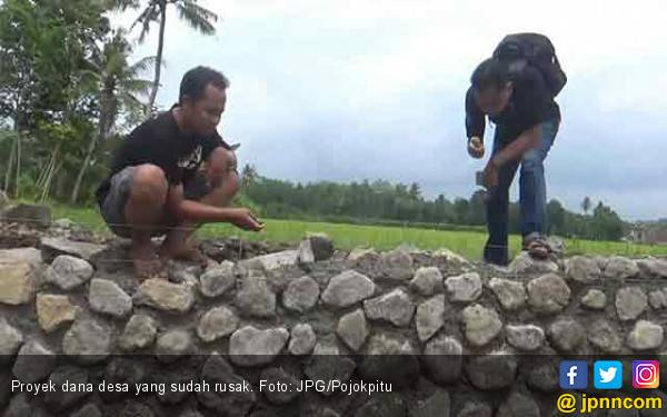 Infrastruktur Pakai Dana Desa, Baru 2 Bulan Sudah Rusak - JPNN.com