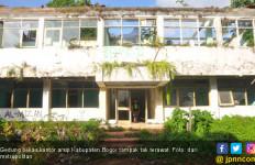 Wanita Berbaju Pengantin Merintih di Gedung Tua, Seram - JPNN.com