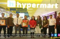 Bupati Landak Berhasil Menjual Beras Lokal ke Pasar Modern - JPNN.com
