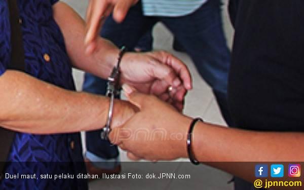 Duel Maut Sesama Karyawan di Kawasan Perusahaan, Luka Parah - JPNN.com