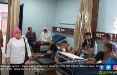 Jajan Sagon, 8 Murid SD di Lahat Langsung Mual dan Muntah - JPNN.com