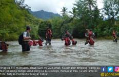 TNI Terus Bersama Rakyat, Lihat tuh - JPNN.com