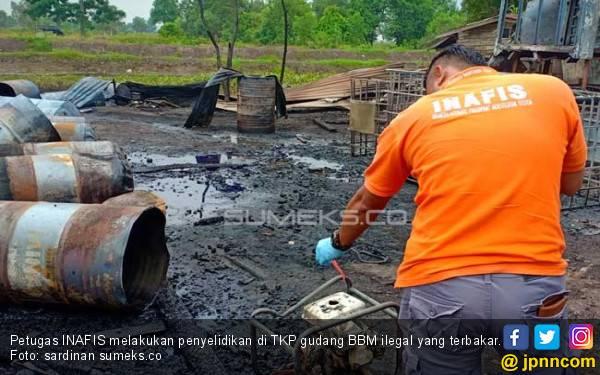 Pemilik Gudang BBM Ilegal yang Meledak di OI Diburu Polisi - JPNN.com