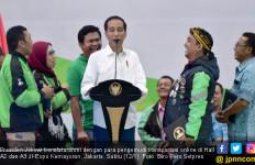 Lihat tuh, Jokowi Akrab dengan Pengemudi Transportasi Online - JPNN.com