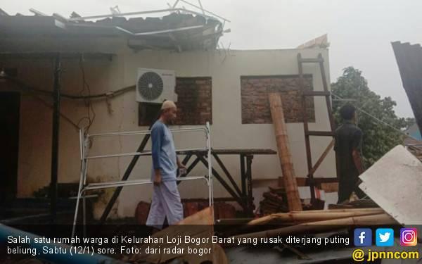 Puting Beliung Kembali Memorak-porandakan Kota Bogor - JPNN.com