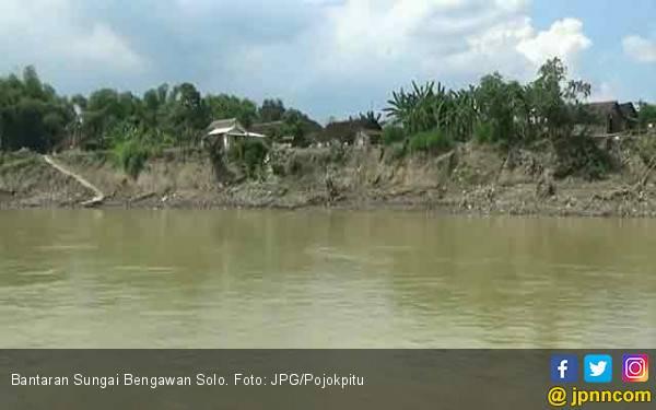 96 Desa Tercatat Rawan Longsor - JPNN.com