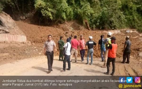 Respons Gubsu Soal Longsor yang Menerjang Jembatan Sidua-dua - JPNN.com