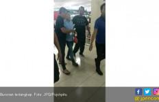 Rasain! Buronan Ditangkap Saat Asyik Jalan - Jalan di Mal - JPNN.com