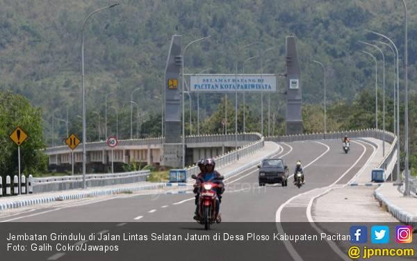 Jalan Lintas Selatan Jatim: Pacitan Mulus, yang Lain? Sabar - JPNN.com
