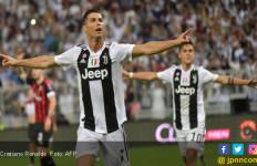 Cristiano Ronaldo Bawa Juventus Juara Piala Super Italia - JPNN.com
