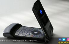 Lenovo Ingin Bangkitkan Lagi Motorola Razr - JPNN.com