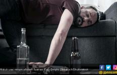 Ketahui Penyebab Muntah Darah Karena Minum Alkohol - JPNN.com