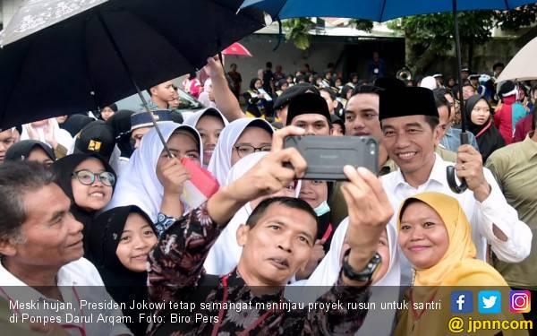 Hasil Survei : 56,80 persen Lulusan Pesantren Pilih Dukung Jokowi - Ma'ruf - JPNN.com
