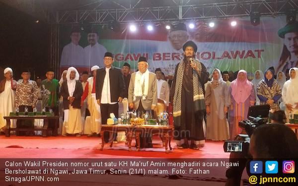 Warga Ngawi Antusias Berselawat Bersama Kiai Ma'ruf Amin - JPNN.com